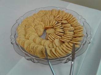 Walnut cheddar crackers